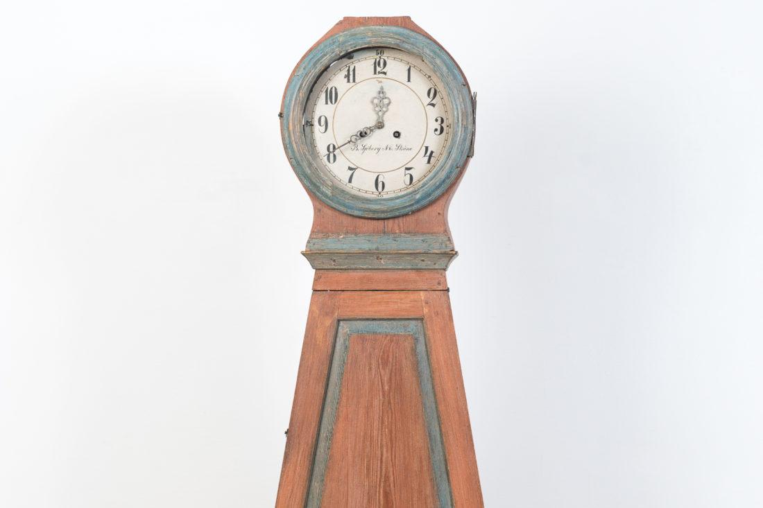 Mora Clock