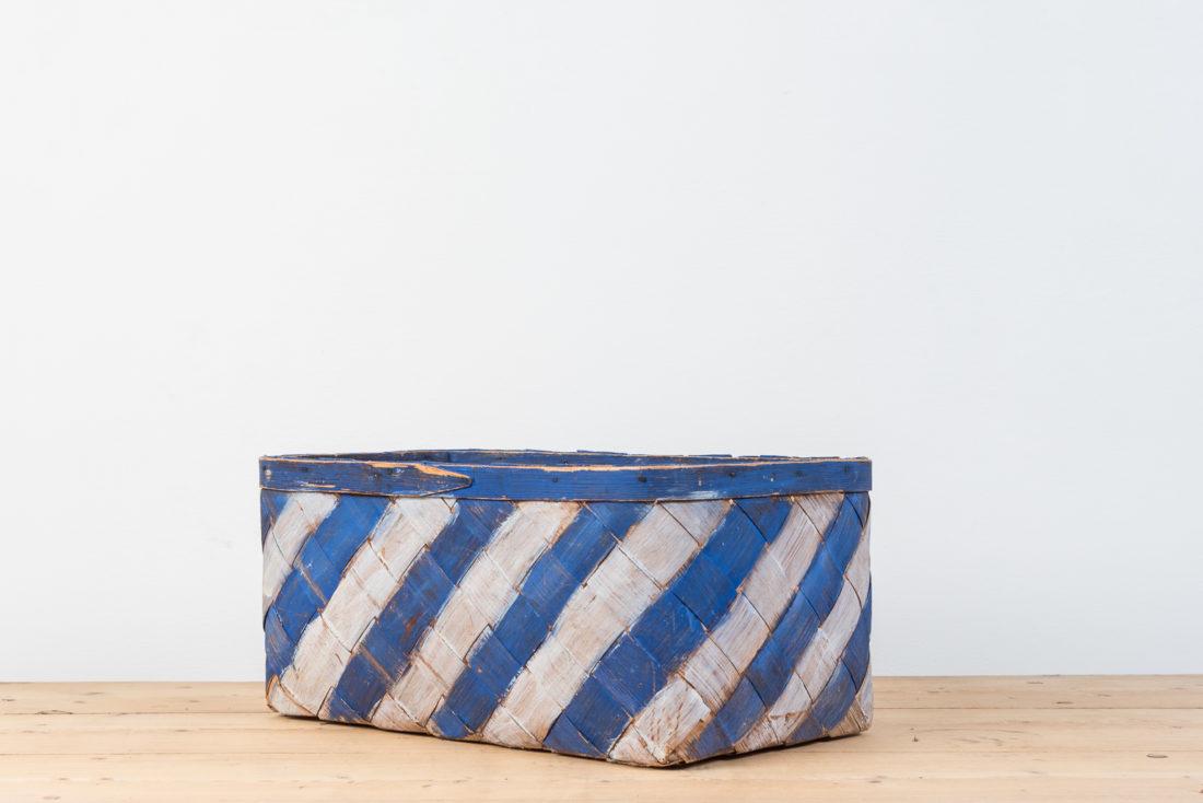 Swedish Folk Art basket In Shavings From The Mid 1800s