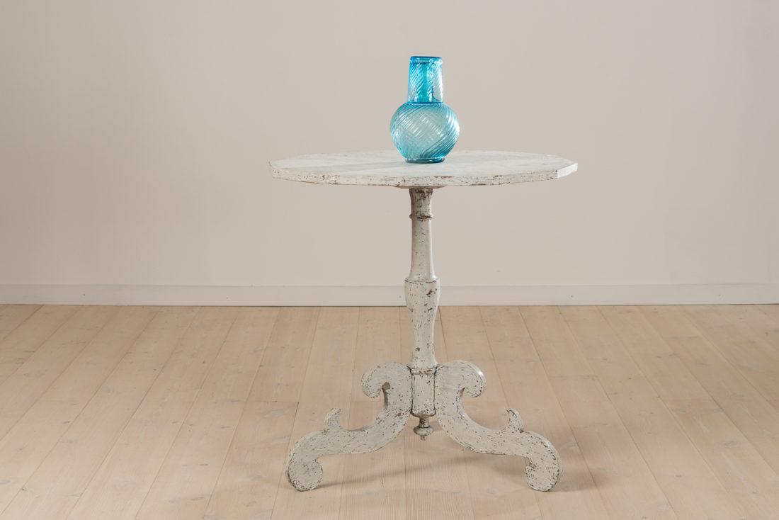 Swedish Column Table