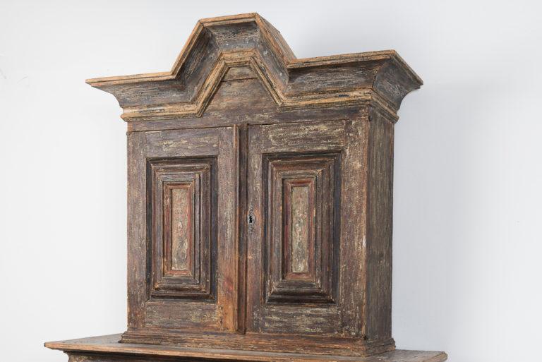 Baroque cabinet fr n antik for Baroque 2 door accent cabinet