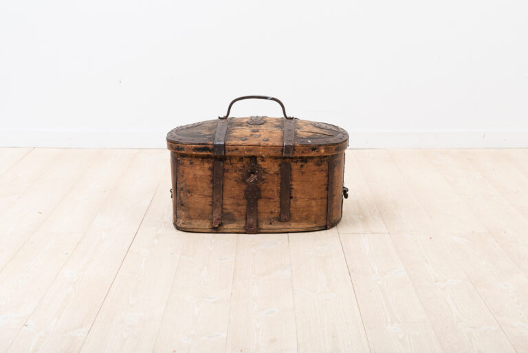 Travel Box in Pine in Untouched Original Condition