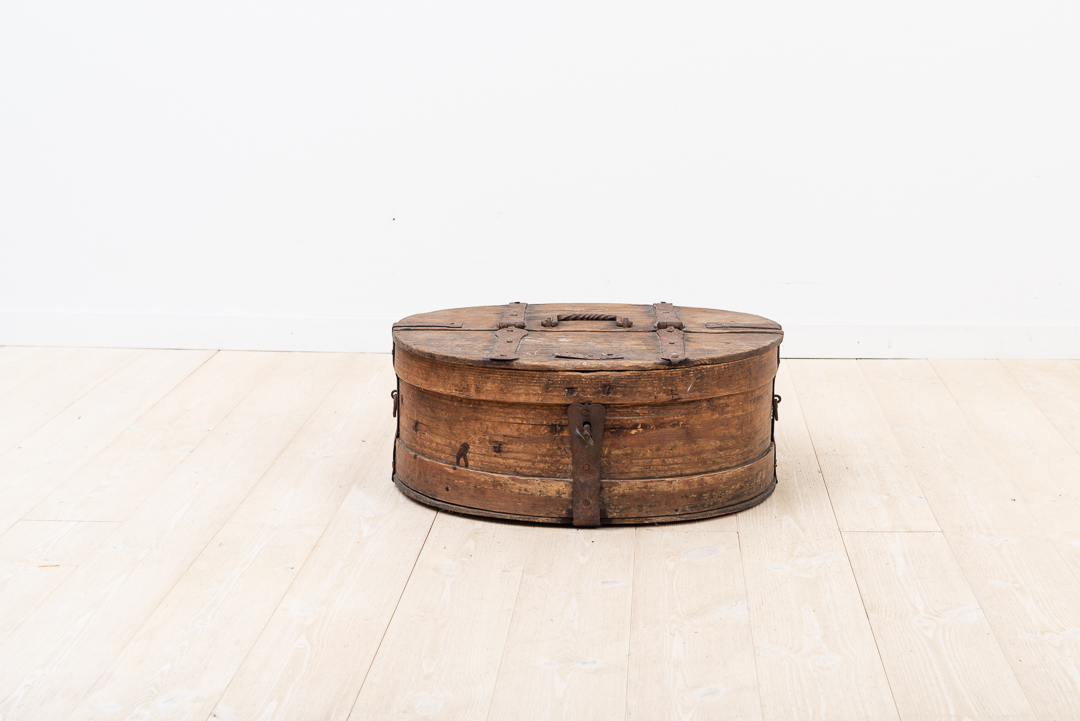 18th Century Travel Box with Oblong Shape in Pine