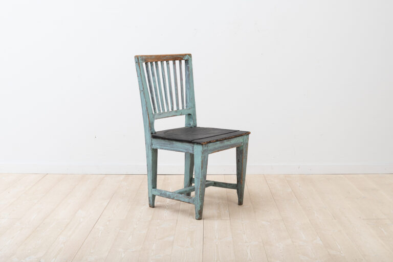 Provincial Gustavian Painted Chair from 1800