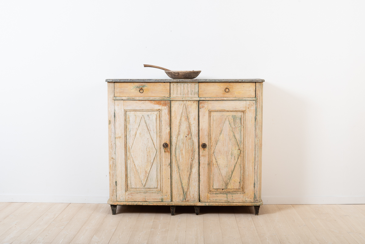 Swedish sideboard from the gustavian period.