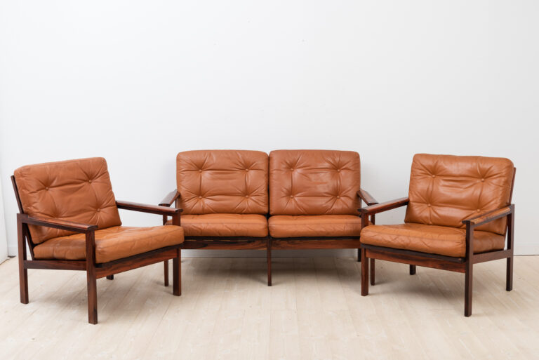 Sofa group Capella designed by Illum Wikkelsø 1959. Produced By Niels Eilersen in Denmark
