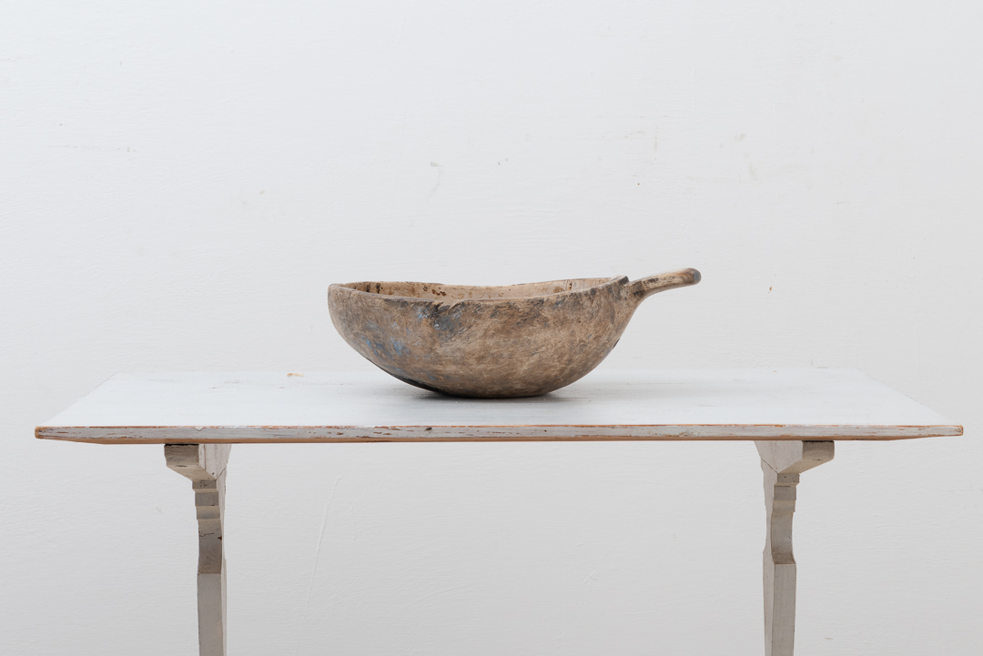 Sami wooden bowl manufactured during the early 19th century. Otherwise known as Nappi.