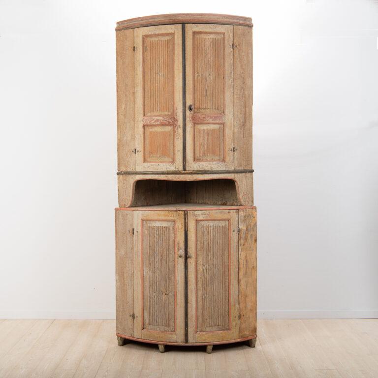 Gustavian Corner Cabinet from Forsa, Hälsingland