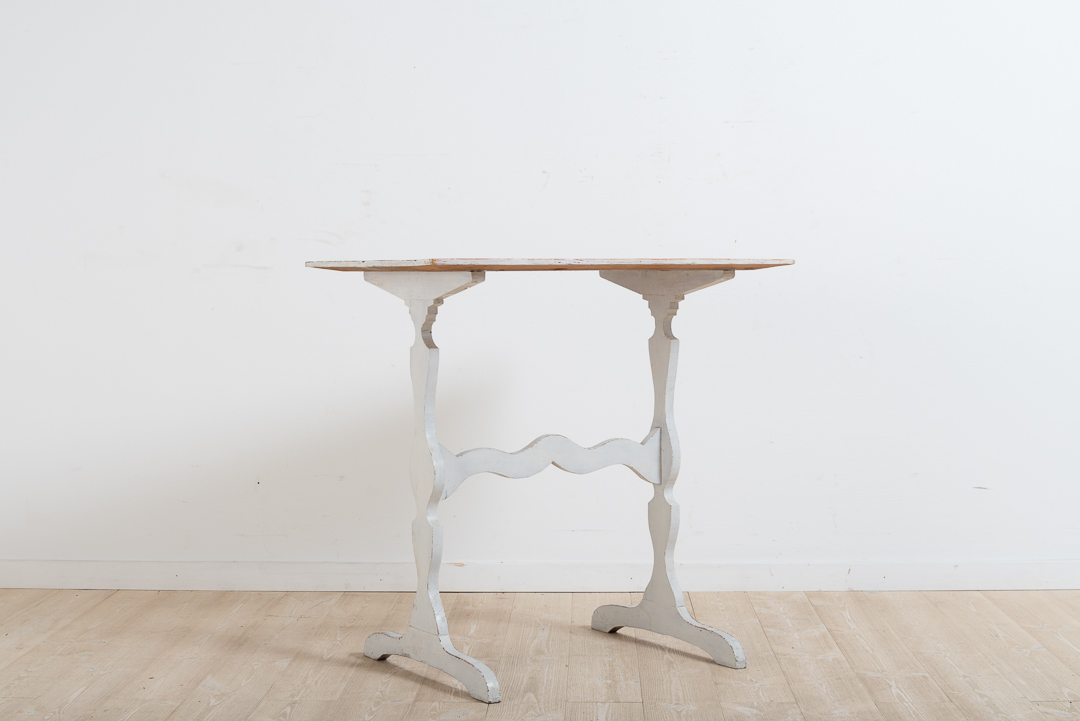 Swedish 19th century table. With white original paint and in completely untouched condition. Manufactured in northern Sweden