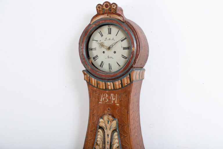 Swedish long case clock in a classic mora clock model. Original paint and dated 1841. From the area of south Hälsingland / Dalarna. For moreClocks