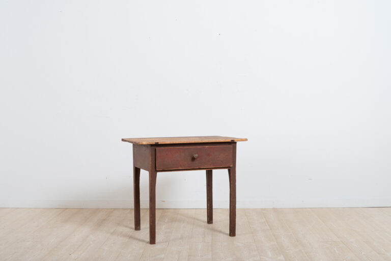 Folk art work table from northern Sweden. Previously a work table but would today work well as a coffee table.Original untouched condition with great patina