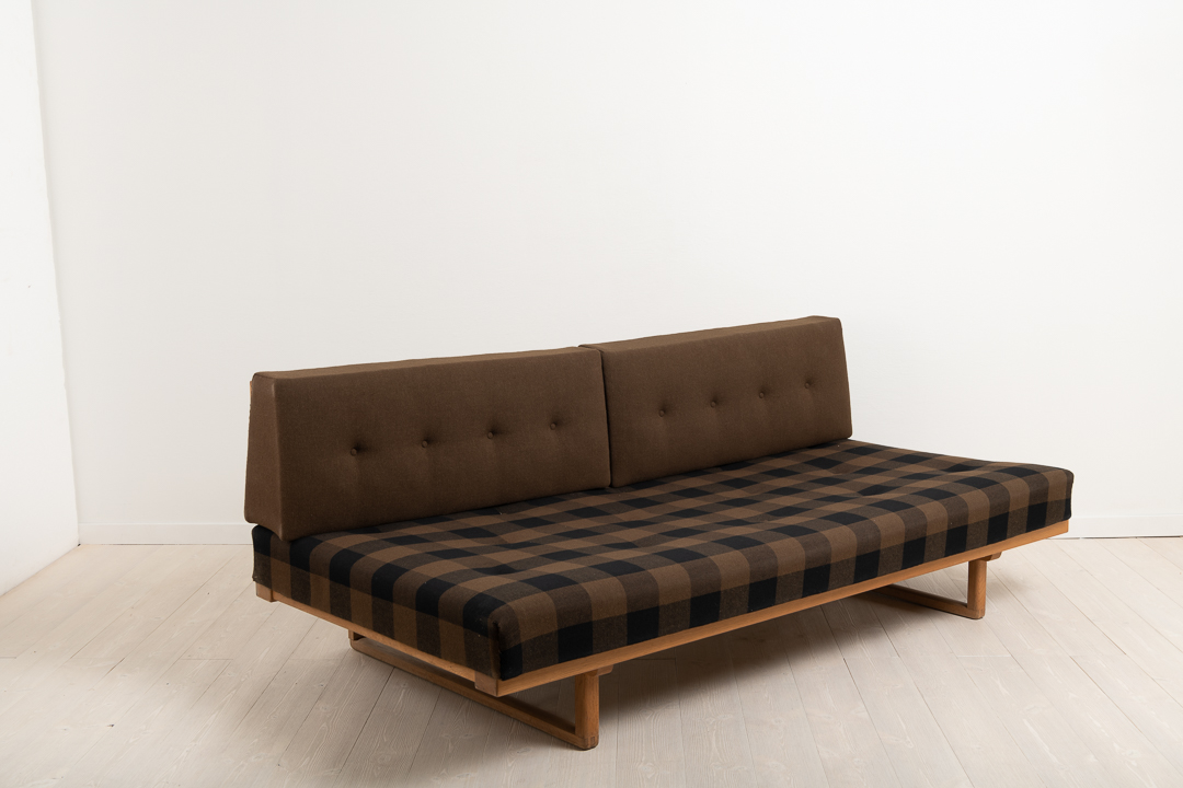BØRGE MOGENSEN daybed model nummer 4311/4312. Made by Fredericia Stolefabrik in Danmark during the second part of the 1900s.