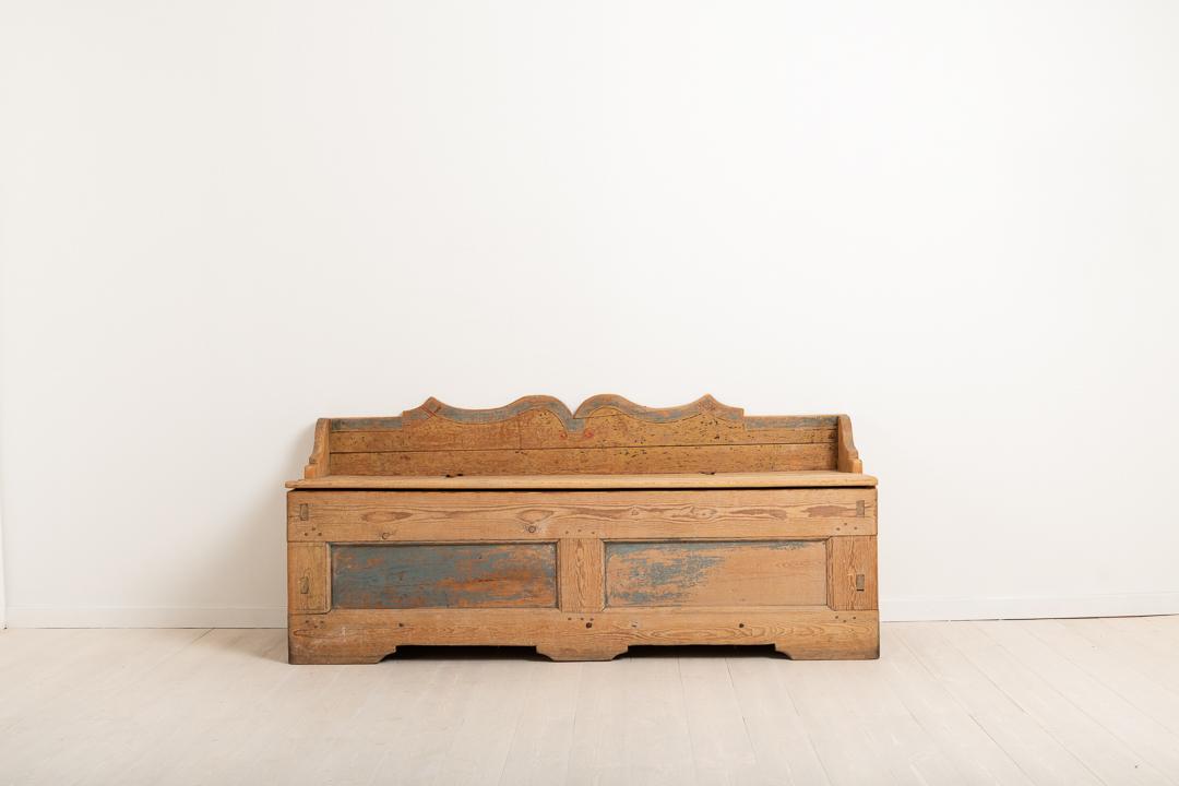 Folk Art Primitive Bench in Original Condition