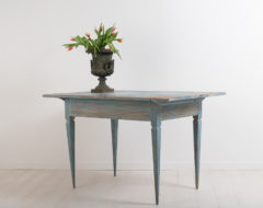 Blue gustavian side table from northern Sweden. The table has a ribbed rim and straight tapered legs. All side are the same length