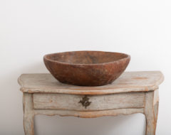Large root bowl from Sweden. Made from birch the root bowl has a natural and organic shape. It is very big and heavy and weighs around 6 kg.