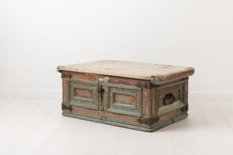 Folk Art Chest in Baroque from the Mid 1700s