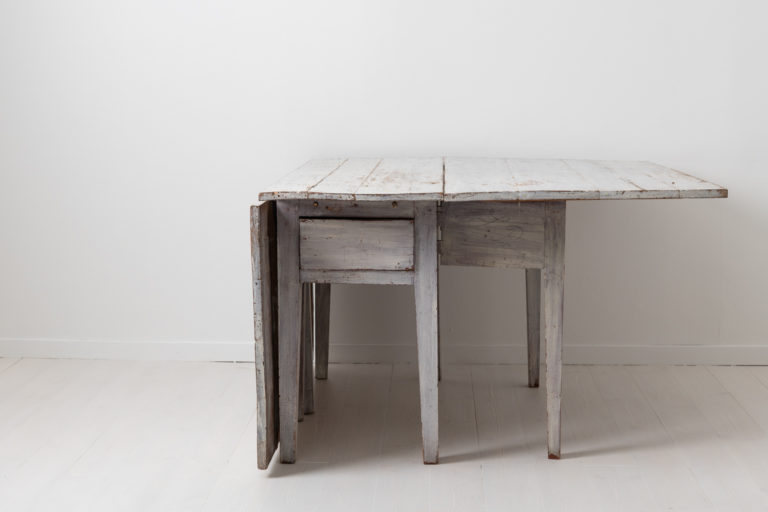 White Neoclassical Dining Table from the Late 18th Century