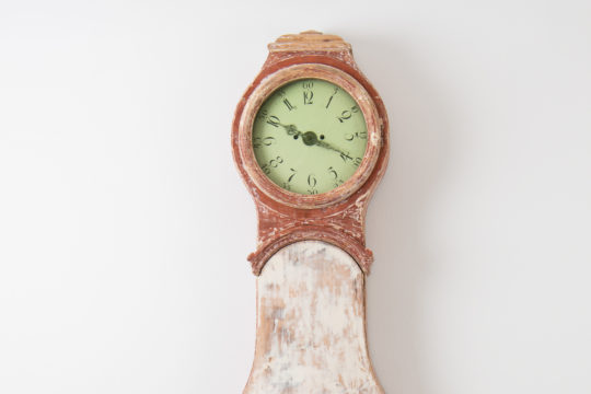 Gustavian long case clock from northern Sweden, made around 1790 to 1800. Made in painted pine and scraped to original paint.