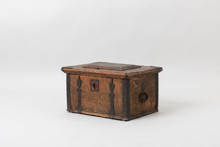 Antique Chest in Painted Pine from Northern Sweden