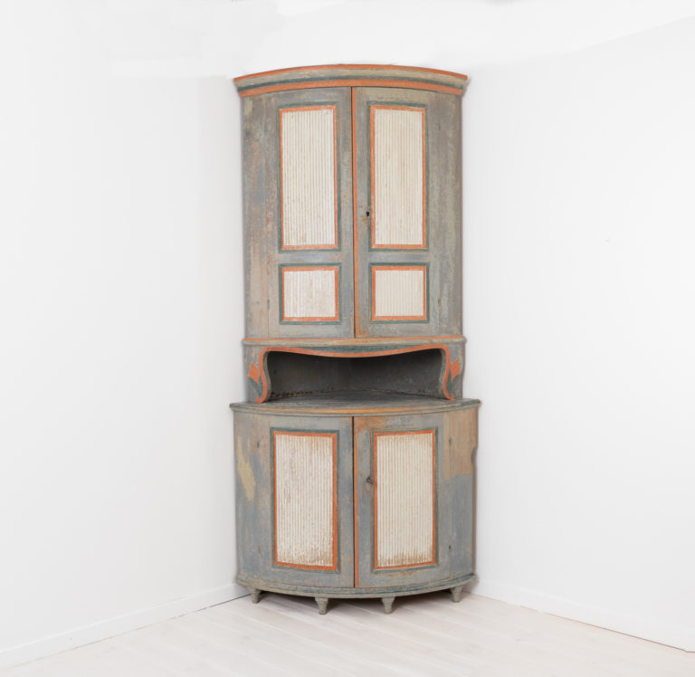Gustavian and Neoclassical Corner Cabinet from Sweden