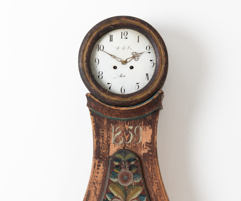 Classically Curved Mora Clock from Dalarna in Sweden
