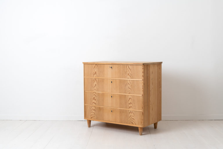 Swedish Grace Chest of Drawers from the 1930s or 1940s