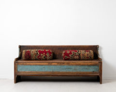 18th century country bench from Sweden. The bench, a so called fållbänk, is folk art and in untouched original condition.