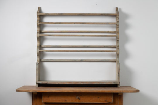 Antique wall plate rack from the Northern Sweden made during the early 1800s. The rack is pine and should most likely hang on a wall