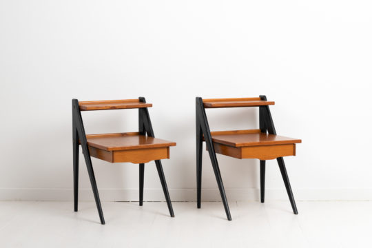 Swedish teak nightstands from the mid 20th century in the characteristic Scandinavian modern style. The nightstands are teak by Yngve Ekström