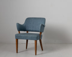 """Carl Malmsten """"Lata Greven"""" chair made during the mid 20th century, 1953. Produced by O.H Sjögren. The name translates to lazy count"""