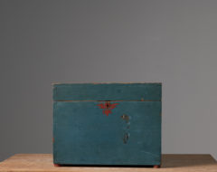 Large blue pine box made during the 19th century from Hälsingland in northern Sweden. Likely from the village Norrala. Original paint